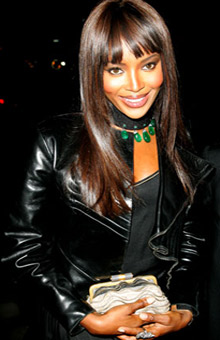 naomi campbell gives 7800 dollr tip to waitress