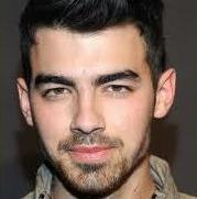 joe-jonas-hollywood-03122013