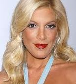 tori-spelling-hollywood-25102013