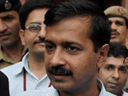 arvind kejriwal gets notice from income tax department