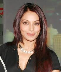bipasha says women have a few oppurnites in bollywood