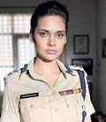 esha gupta play different role in chakravhyu