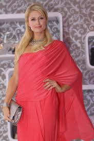 pari hilton and other hollywood actress love sari