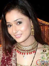 sara khan will focus on flim making