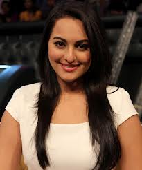 sonakshi will be seen in the remake of thupakki