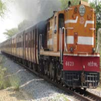 two-girls-killed-by-train-04201116