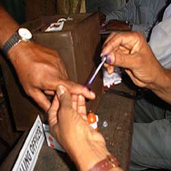 260-candidates-face-criminal-charges-in--west-bengal-election-05201109